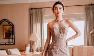 Huyền My lộng lẫy trong váy cưới lấy cảm hứng từ những vì sao