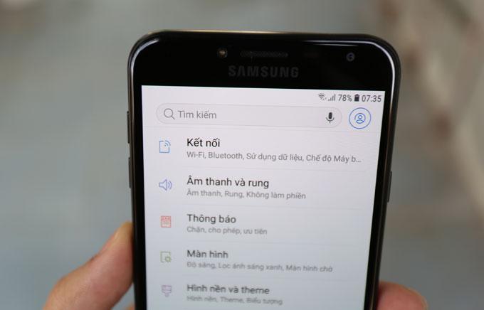 Galaxy J4: Smartphone giá rẻ có màn hình cao cấp, camera tốt - 3