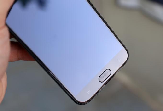 Galaxy J4: Smartphone giá rẻ có màn hình cao cấp, camera tốt