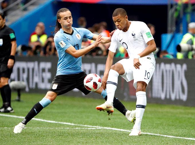Mbappe không thể hiện được nhiều trong trận đấu. Ảnh: AP.