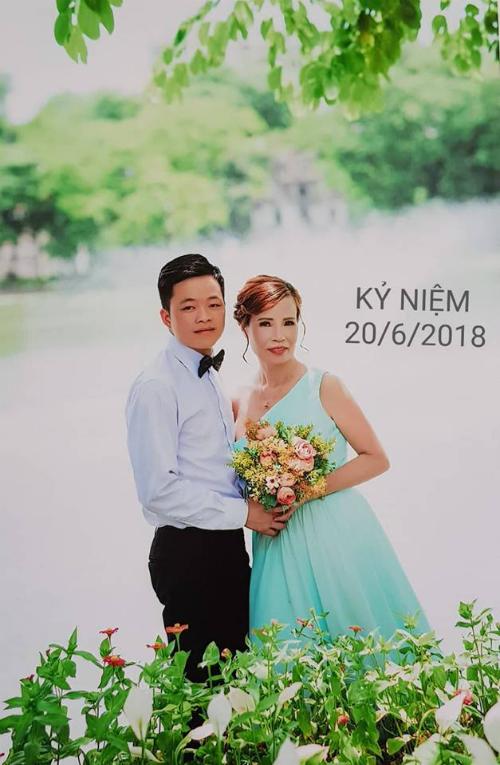 Ảnh cưới của cặp đôi.