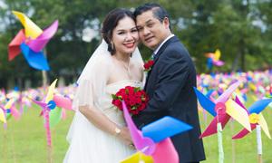 Vợ chồng MC Xuân Hiếu chụp lại ảnh cưới kỷ niệm 10 năm hôn nhân