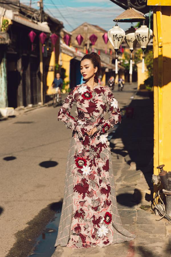Bộ ảnh do stylist Huỳnh Thị Mới, chuyên gia trang điểm Khuyên Ngô và producer NHHN hỗ trợ thực hiện.