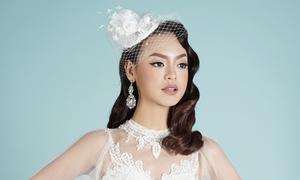 Mai Ngô hóa cô dâu kiêu kỳ với phong cách trang điểm retro