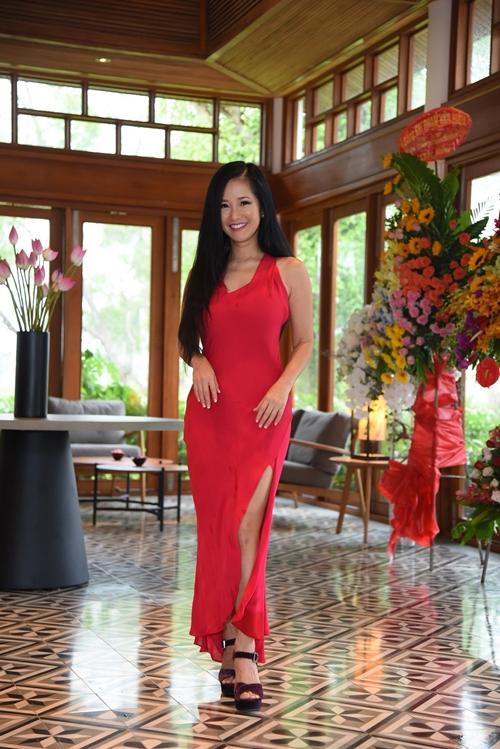 Diva Hồng Nhung bị chinh phục bởi vẻ đẹp của vùng sông nước Cần Thơ.