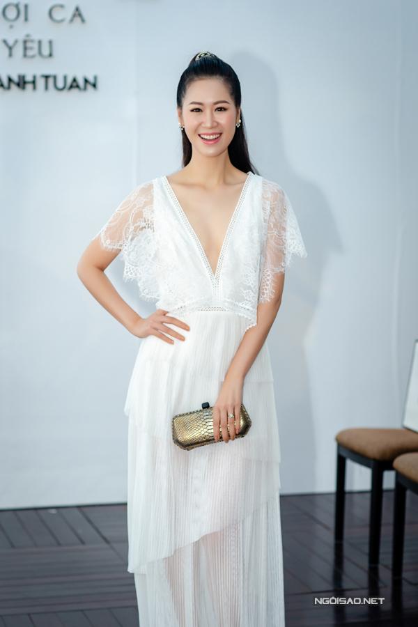 Hoàng Anh mặc đầm hở vòng 1, lấn át dàn Hoa hậu, Á hậu - 6