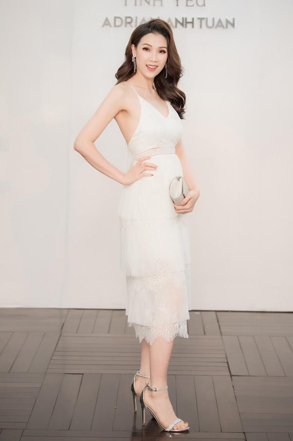 Hoàng Anh mặc đầm hở vòng 1, lấn át dàn Hoa hậu, Á hậu - 10