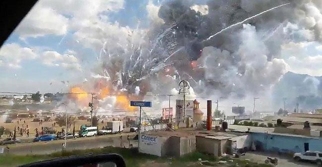Một vụ nổ khác cũng ở Tultepec vào năm 2016 khiến ít nhất 31 người thiệt mạng. Ảnh: AP.