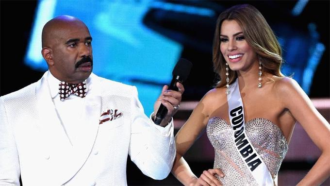 Mặc dù mắc lỗi đọc nhầm tên người đoạt vương miện Miss Universe 2015, Steve Harvey tiếp tục được mời dẫn đêm chung kết Miss Universe hai năm sau đó.