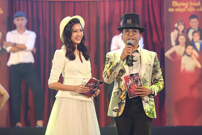 Dẫn chương trình là Á hậu Thuý Vân và MC Thanh Bạch.