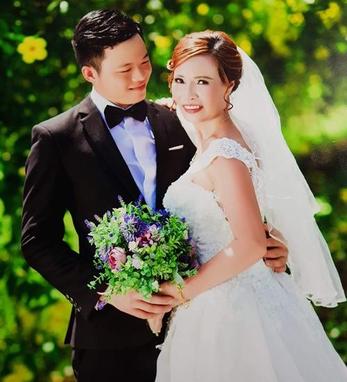 Ảnh cưới chụp tại Hà Nội của cô dâu 61 tuổi và chú rể 26 tuổi.