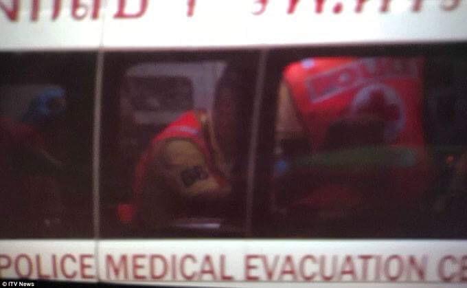 Bên trong một xe cứu thương. Ảnh: ITV News.