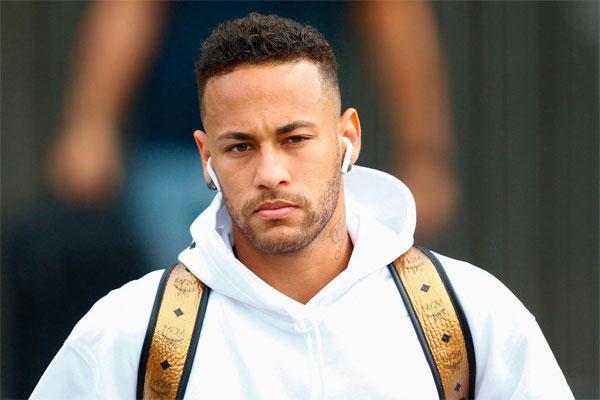 Giải đấu thất bại của Neymar khi cách tự vệ bản thân bằng việc ngã vờ thái quá của anh bị lên án.