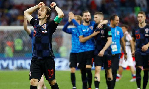 Croatia thắng Nga trên chấm luân lưu, gặp Anh ở bán kết