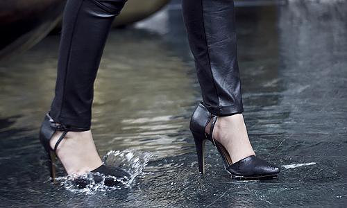 9 nguyên nhân khiến giày dép nhanh hỏng