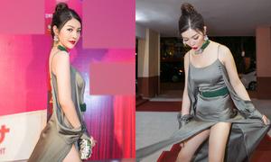 'Bản sao Lý Nhã Kỳ' hốt hoảng khi gặp sự cố với váy xẻ tới hông
