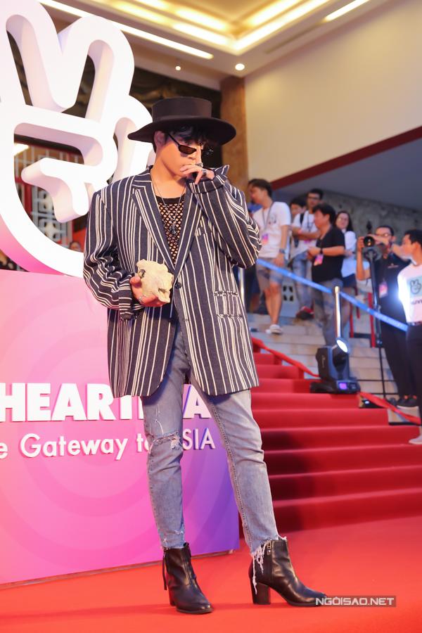 Ca sĩ Jaykii từ Hà Nội vào TP HCM tham gia biểu diễn.