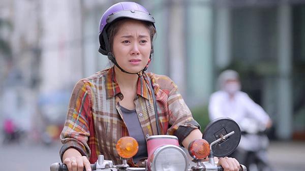 Những vai diễn khóc nhiều hơn cười của Lê Phương