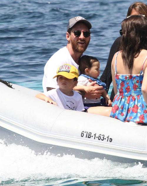 Những kỳ nghỉ cả nhà đi đâu cũng có nhau của Messi khi rảnh rỗi - 12