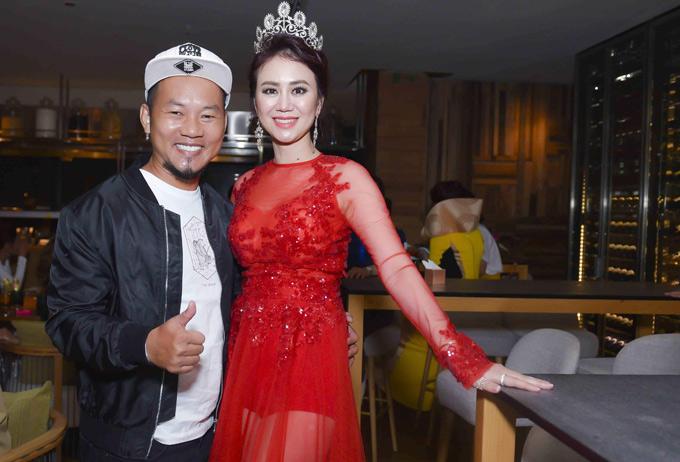 Diễn viên hài Long Đẹp Trai có mối quan hệ thân thiết với Hoa hậu Phu nhân Canada 2013 Mỹ Vân. Cô là người tổ chức Ms Vietnam New World 2018. Cuộc thi này gồm hai hạng mục dành cho những phụ nữ gốc Việt đã lập gia đình và các cô gái còn độc thân.