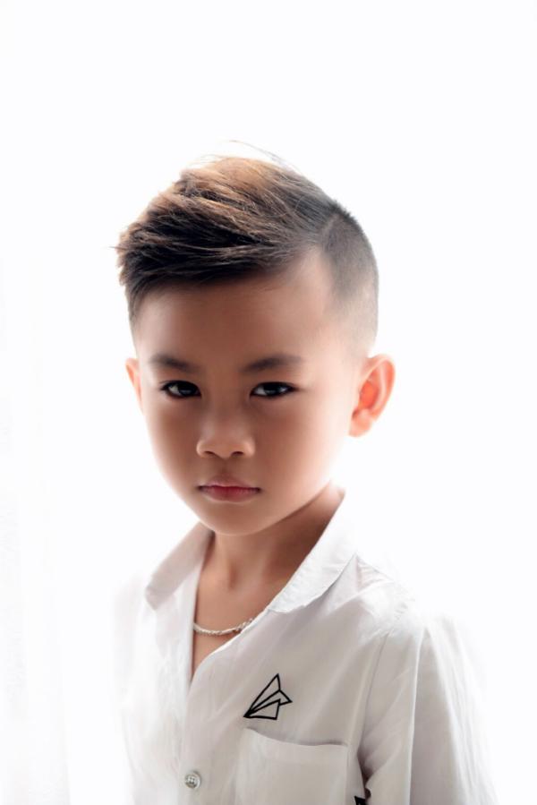 Sinh năm 2011, Minh Lâm sở hữugương mặt cá tính, lạnh lùng, hội tụ nhiều tố chất của một người mẫu chuyên nghiệp.Vietnam Junior Fashion Week là show diễn đầu tiên Minh Lâm được siêu mẫu Xuân Lan tin tưởng và lựa chọn.