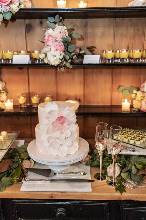 Ngôi sao Twilight diện váy trễ ngực, váy xuyên thấu trong ngày cưới - 11