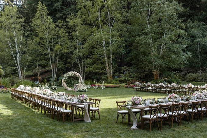 Ngôi sao Twilight diện váy trễ ngực, váy xuyên thấu trong ngày cưới - 8