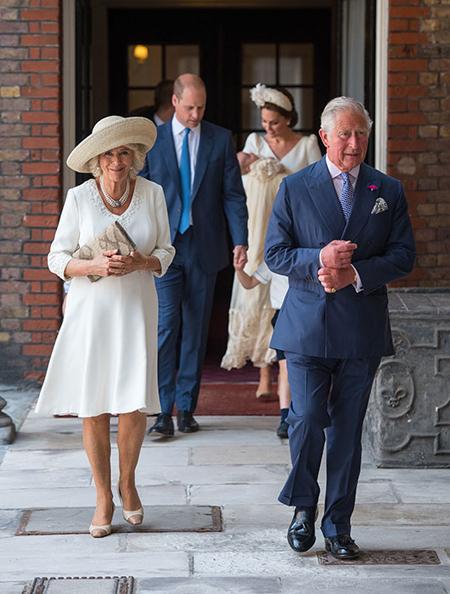 Thái tử Charles và vợ, bà Camilla góp mặt trong lễ rửa tội của cháu nội thứ ba.