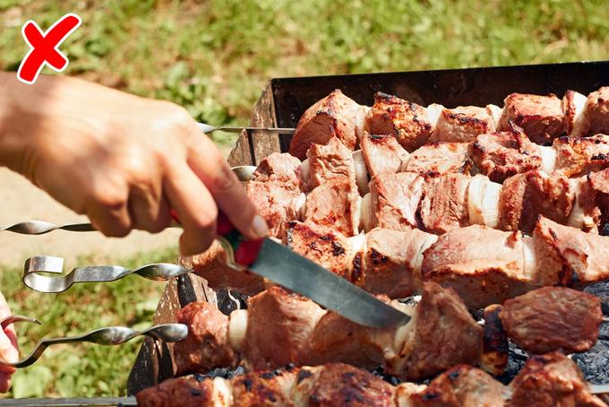 9 lỗi sai khi nướng thịt xiên chỉ cần khắc phục là ngon hết ý - 7