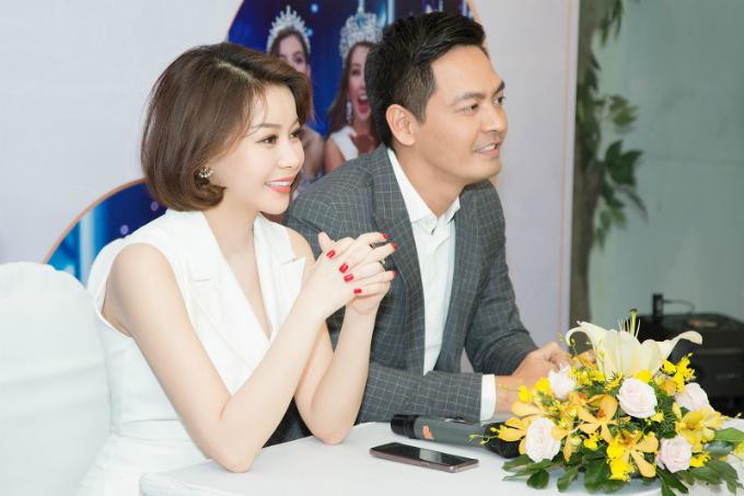 Nữ doanh nhân Nguyễn Trần Hải Dương và nam MC Phan Anh trong buổi họp báo vào cuối tháng 6 vừa qua.