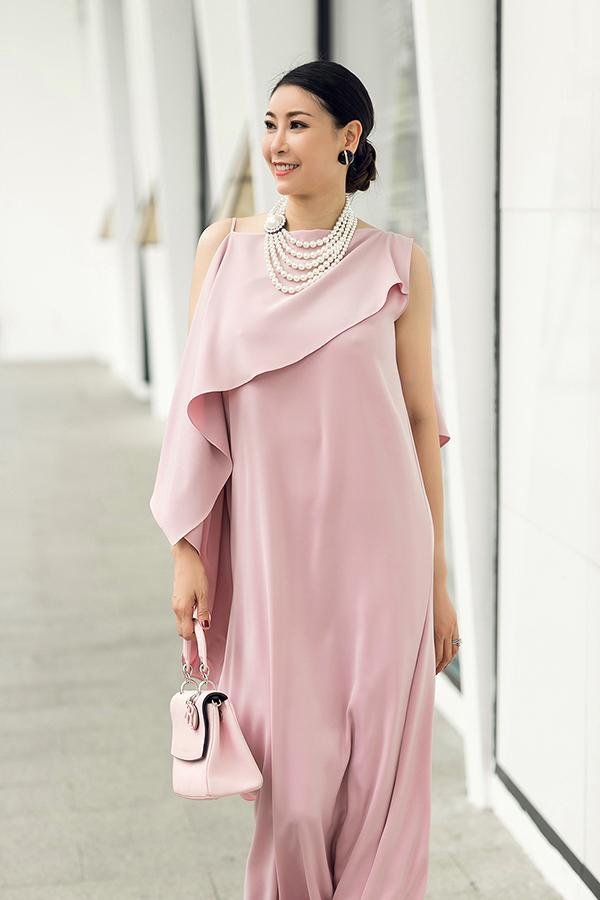 Hà Kiều Anh phối túi hiệu sang chảnh với váy Đỗ Mạnh Cường - 3