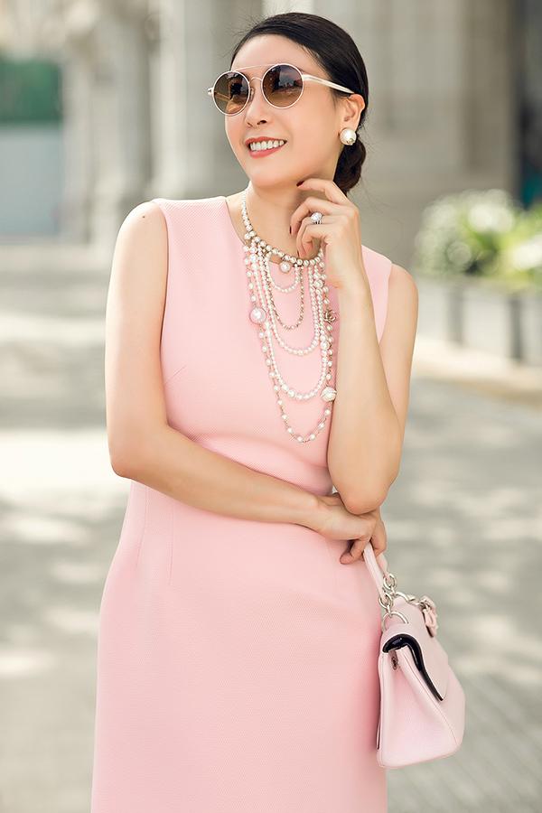 Hà Kiều Anh phối túi hiệu sang chảnh với váy Đỗ Mạnh Cường - 8