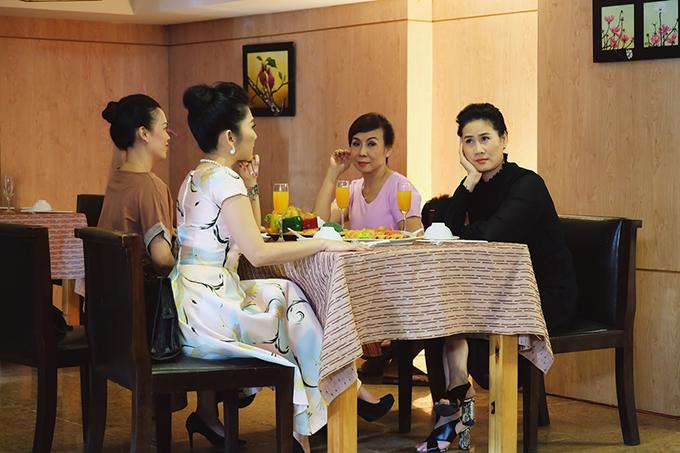 Phim mới của Thân Thúy Hà do Võ Việt Hùng làm đạo diễn. Kén mẹ chồng dài 30 tập, chính thức ra mắt từ ngày 12/7 trên kênh HTV9.