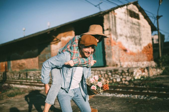 Ảnh cưới chụp tại nhà ga - 10