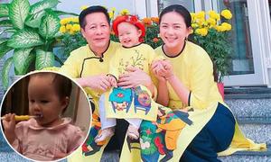 Con gái Phan Như Thảo tự đánh răng 2 lần mỗi ngày từ lúc một tuổi