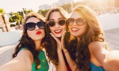 Ba bước đơn giản giúp các beauty blogger có bức ảnh selfie đẹp