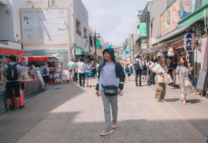Phố đi bộ Komachi St là phố đi bộ mua sắm sầm uất nơi gần như cho người bản địa, bạn có thể tận hưởng những điều tuyệt vời nhất từ ẩm thực đến mua sắm đậm chất Nhật Bản.