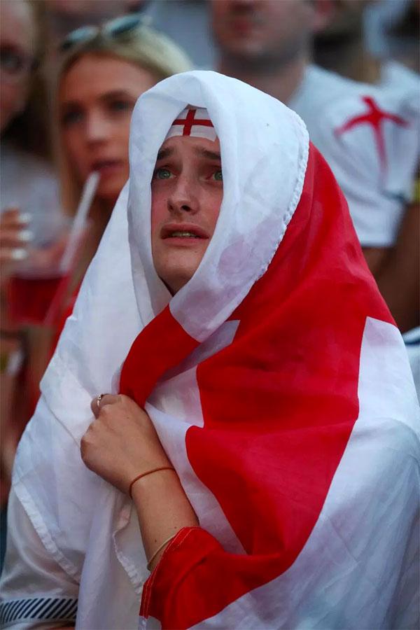 Fan Anh bệ rạc sau trận Tam sư thua ngược Croatia - 10