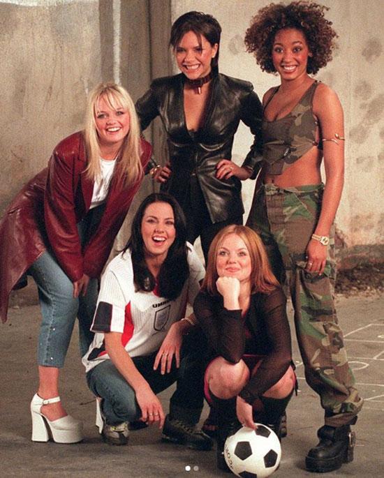 Spice Girl đi thu âm bài hát cổ động World Cup 1998. Ảnh: Instagram.