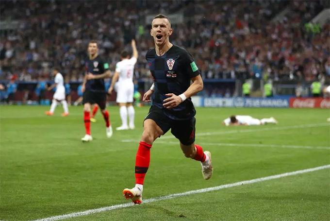 Perisic mừng bàn thắng gỡ hoà 1-1 cho Croatia. Ảnh: PA.
