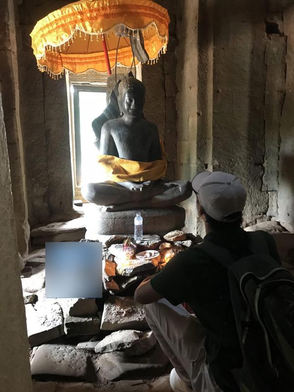 Sau những biến cố trong cuộc sống, Rocker Nguyễn có xu hướng sống chậm lại, lòng hướng về đức Phật để tìm sự an lạc trong tâm hồn.
