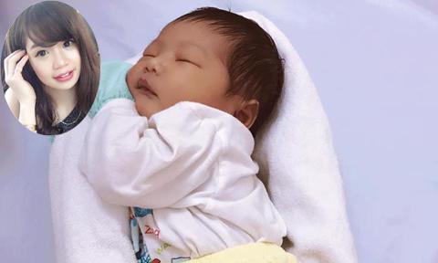 Mẹ 9X chia sẻ video triệu view hướng dẫn quấn ổ cho bé ngủ ngon