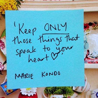 Chỉ giữ những vật kết nối tớitrái tim bạn - triết lý dọn đồ KonMari không phải là vứt đi càng nhiều càng tốt. Ảnh:Instagram.