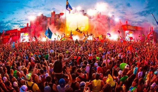 Cocofest với sự có mặt của Luis Fonsi trở thành sự kiện âm nhạc bùng nổ và đầy màu sắc