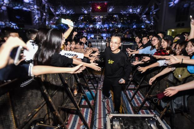 Các show diễn Underground với sự phá cách và khác biệt luôn tạo được sự chú ý mạnh mẽ với các bạn trẻ