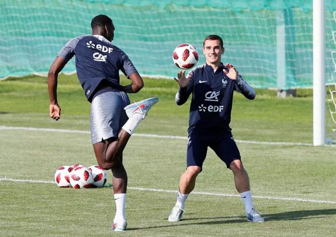 Pogba cho biết: Grizou rất giống Zizou. Zidane tất nhiên là huyền thoại của bóng đá Pháp nhưng Grizou cũng có thể trở thành một biểu tượng. Tất cả người Pháp yêu Griemann. Chúng tôi đều thích thú khi nhìn thấy anh ấy, anh ấy là người đàn ông vui tính, một nhân cách lớn, ngoài đời và cả trong sân cỏ. Tôi hy vọng anh ấy tỏa sáng trong trận chung kết với một bàn, hai bàn, ba bàn hoặc 4. Không ai biết trước điều đó.