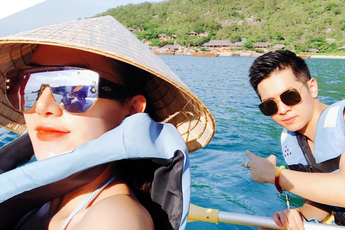 Lê Hà và bạn trai thường chia sẻ những hình ảnh tình tứ bên nhau trên trang cá nhân và được nhiều fan khen nhìn họ rất đẹp đôi.
