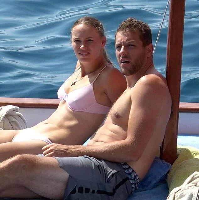 Hai người đính hôn từ tháng 11 năm ngoái sau chuyến đi chơi ở Bora Bora.