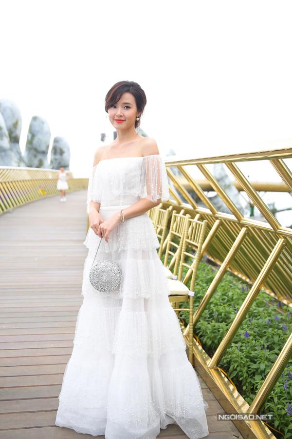 HHen Niê diện váy xẻ cao nổi bật bên dàn người đẹp - 7