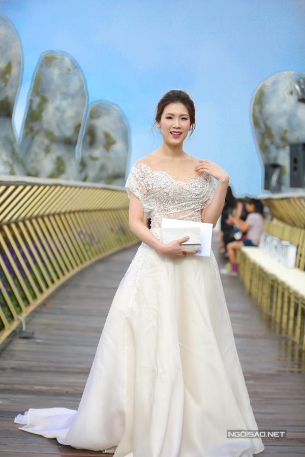 HHen Niê diện váy xẻ cao nổi bật bên dàn người đẹp - 11